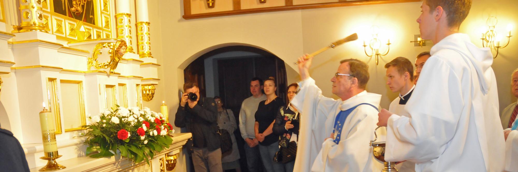 Poświęcenie ołtarza Matki Bożej i św. Józefa