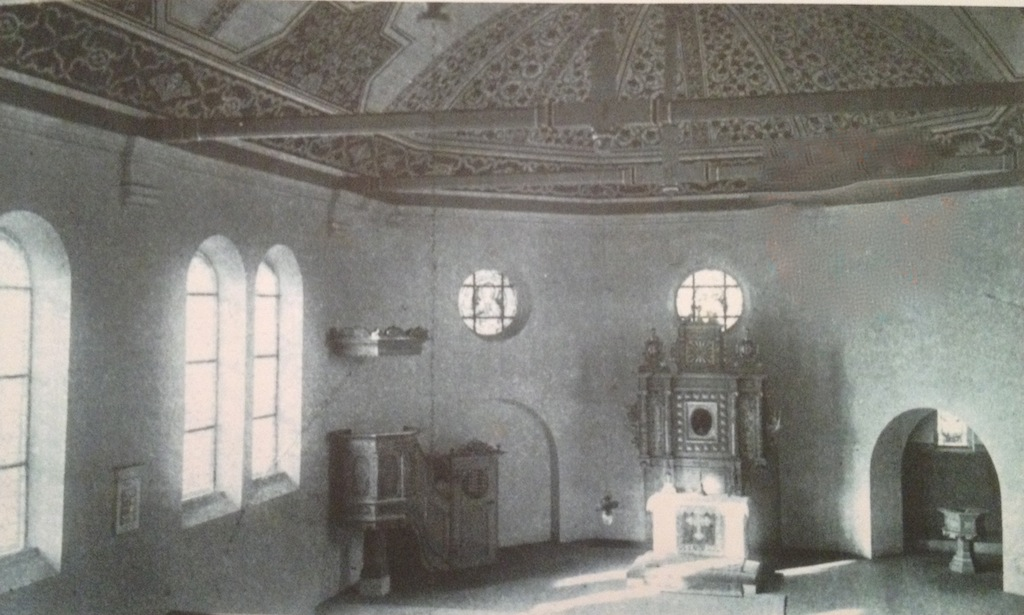 Wnętrze świątyni Ewangelickiej w Żabikowie. Zdjęcie sprzed I Wojny Światowej ze zbiorów P. Maćkowiaka